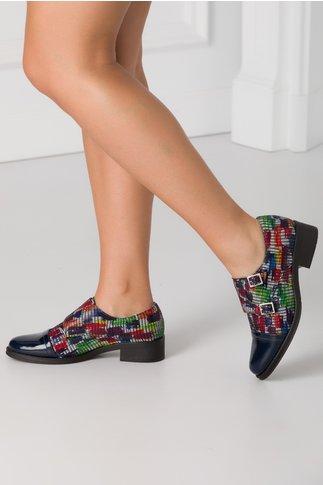 Pantofi casual bleumarin cu varf lacuit si imprimeu multicolor