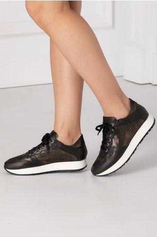 Pantofi casual negri cu detalii in nuanta auriu metalizat