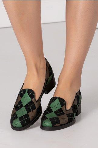Pantofi cu talpa joasa si carouri verzi