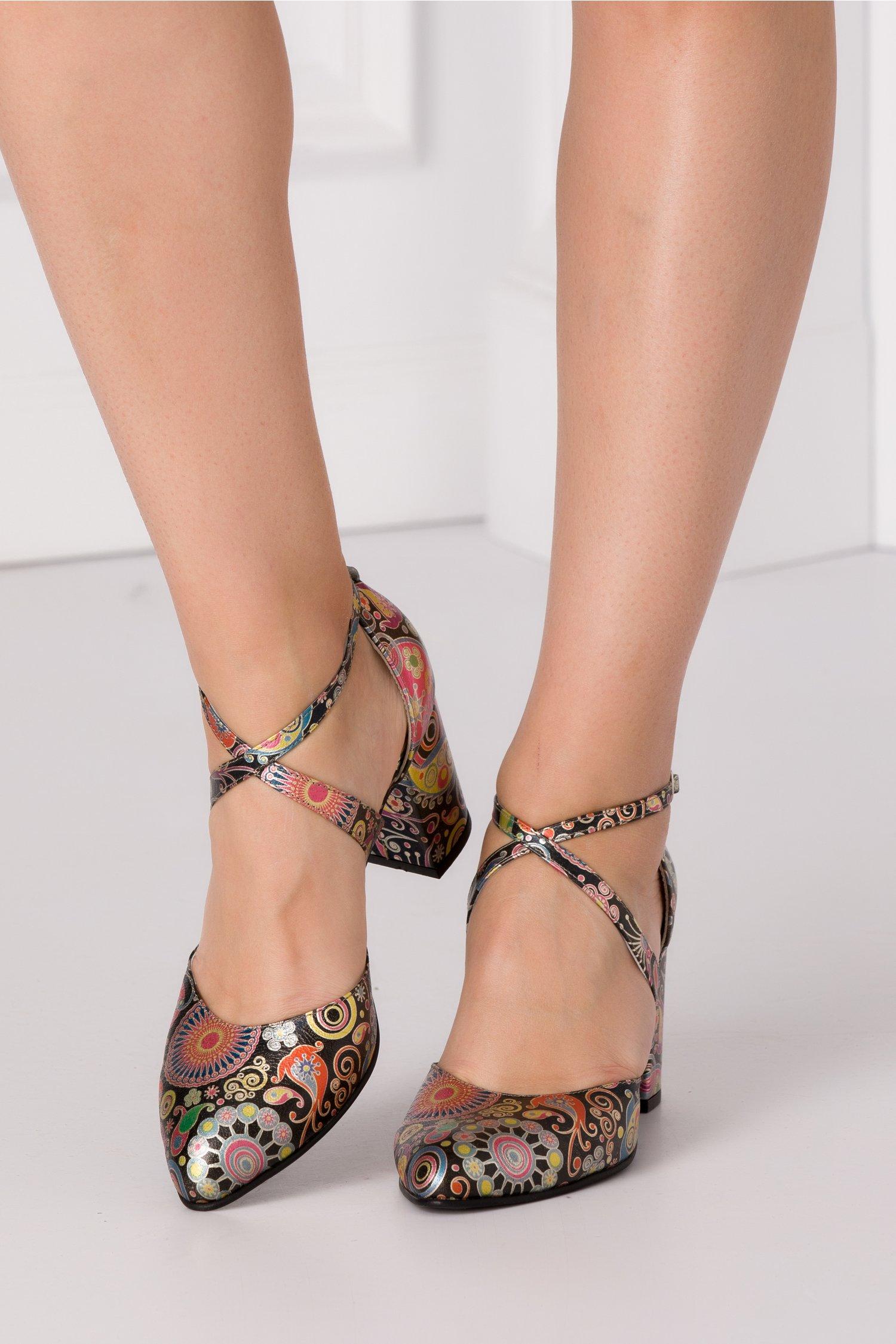 Pantofi Dada negri cu imprimeu abstract