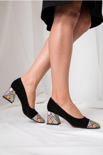 Pantofi dama negri din piele intoarsa cu imprimeuri mandala