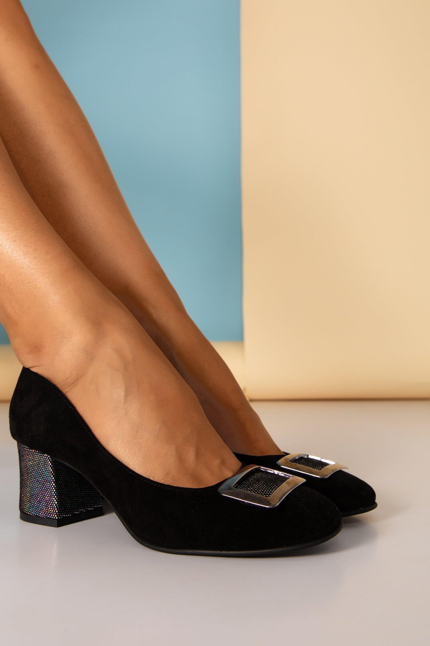 Pantofi dama negri din piele naturala office cu aplicatie metalica si toc gros imagine