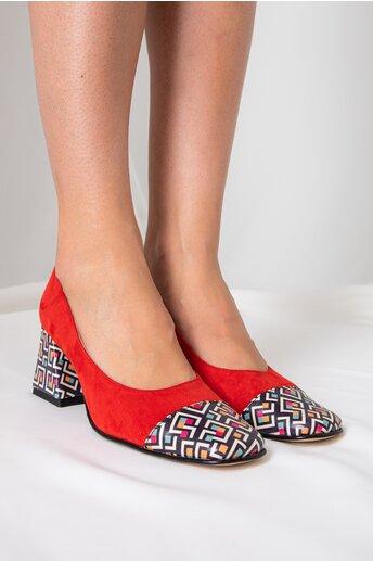 Pantofi dama rosii din piele intoarsa cu imprimeuri geometrice