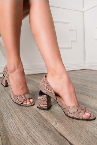 Pantofi decupati maro cu snake print