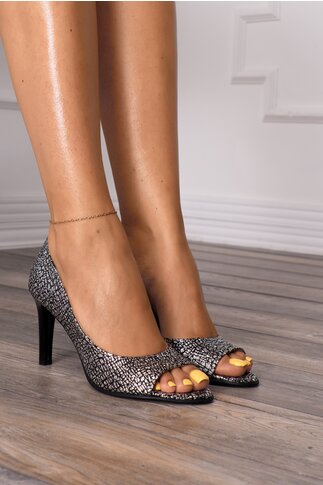Pantofi decupati negri cu aplicatii argintii stralucitoare