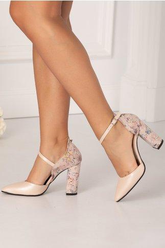 Pantofi decupati roz prafuit perlat cu imprimeu floral in nuante pastelate cu reflexii metalizate