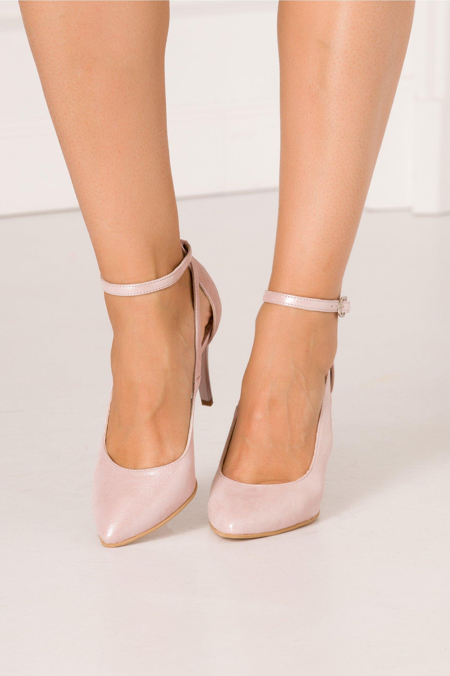 Pantofi decupati roz sidefat cu toc stiletto