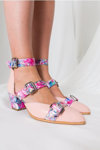 Pantofi Deedee roz cu imprimeuri si barete