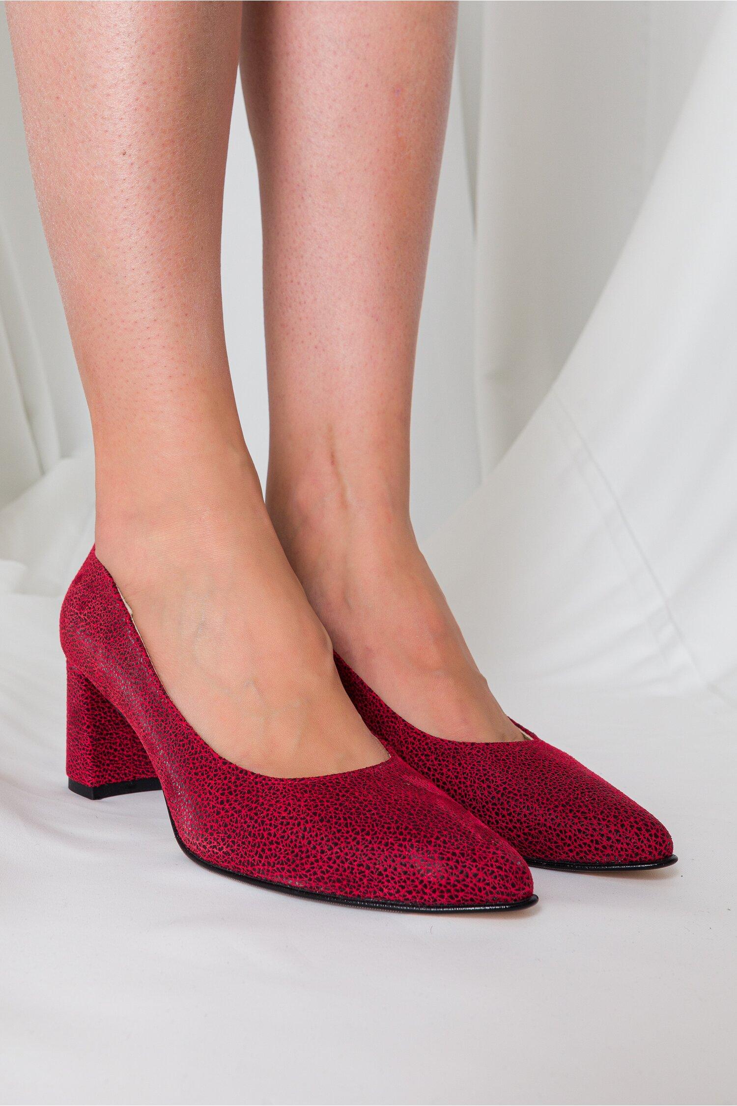 Pantofi Delia bordo cu insertii negre