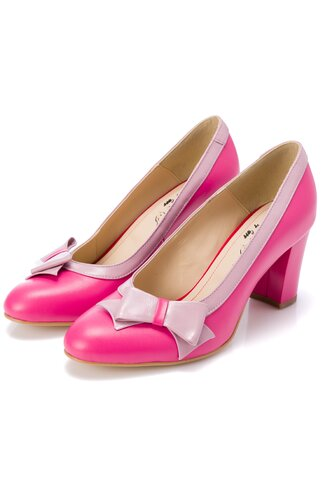 Pantofi fucsia cu fundita roz pal pe o parte a varfului