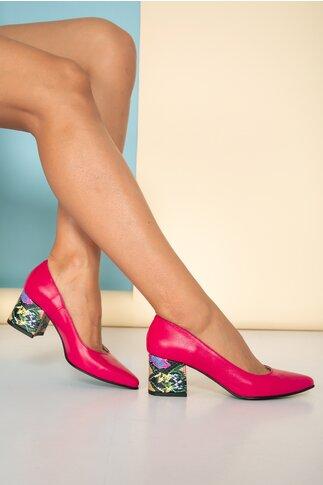 Pantofi fuscia cu toc gros cu imprimeu snake multicolor