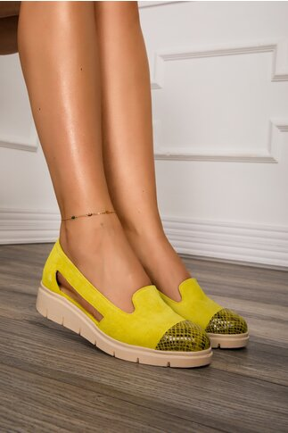 Pantofi galbeni cu decupaje laterale