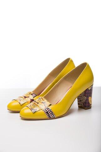 Pantofi galbeni cu insertii florale pe varf si pe toc
