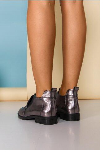 Pantofi gri metalizat cu design deosebit cu limba dubla