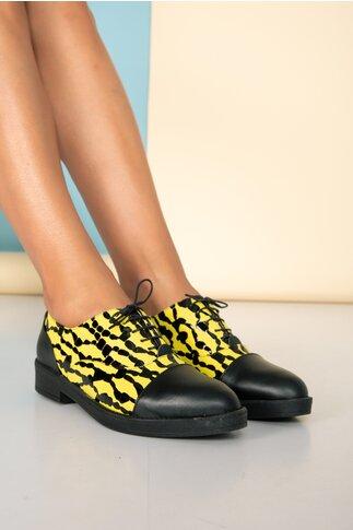 Pantofi josi negri cu imprimeu galben