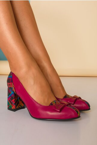 Pantofi magenta din piele cu fundita pe varf cu imprimeu multicolor