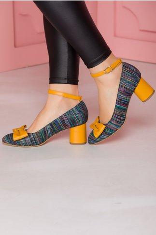 Pantofi multicolori cu bareta si fundita