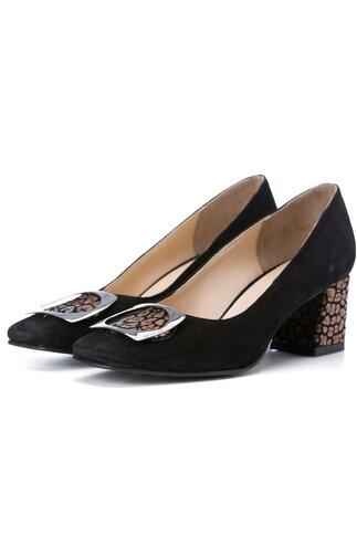 Pantofi negri din piele intoarsa cu aplicatie metalica pe varf