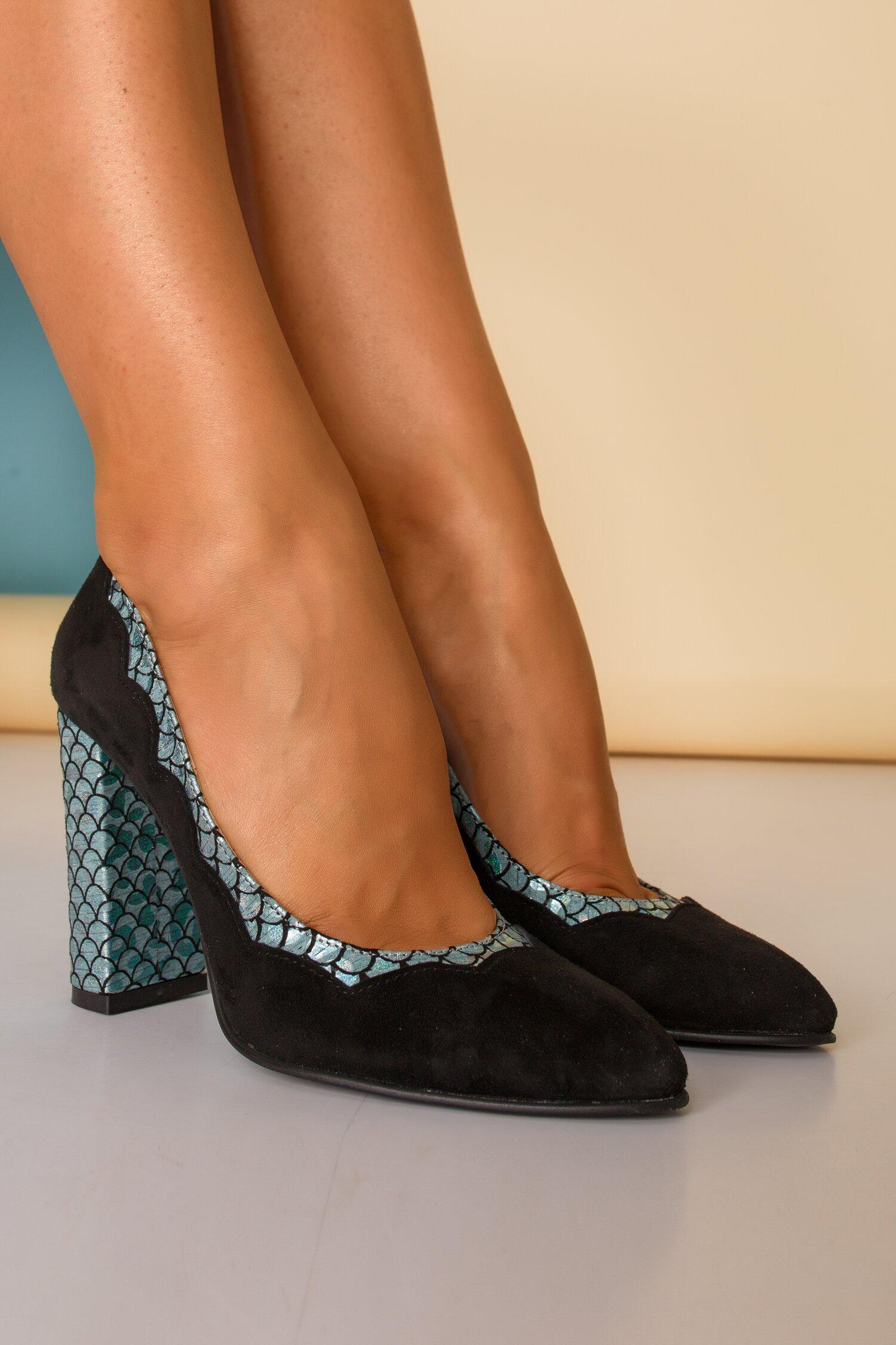 Pantofi negri eleganti cu insertii tip solzi de peste imagine