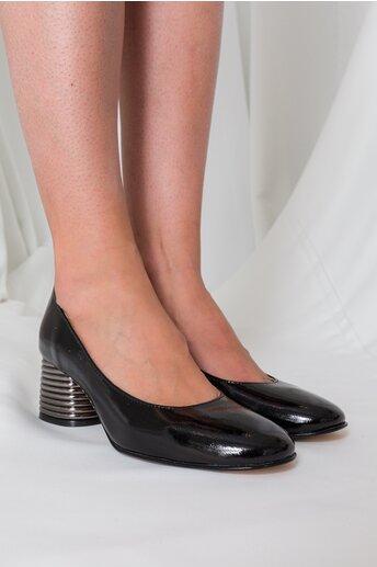 Pantofi negri lacuiti cu toc gros