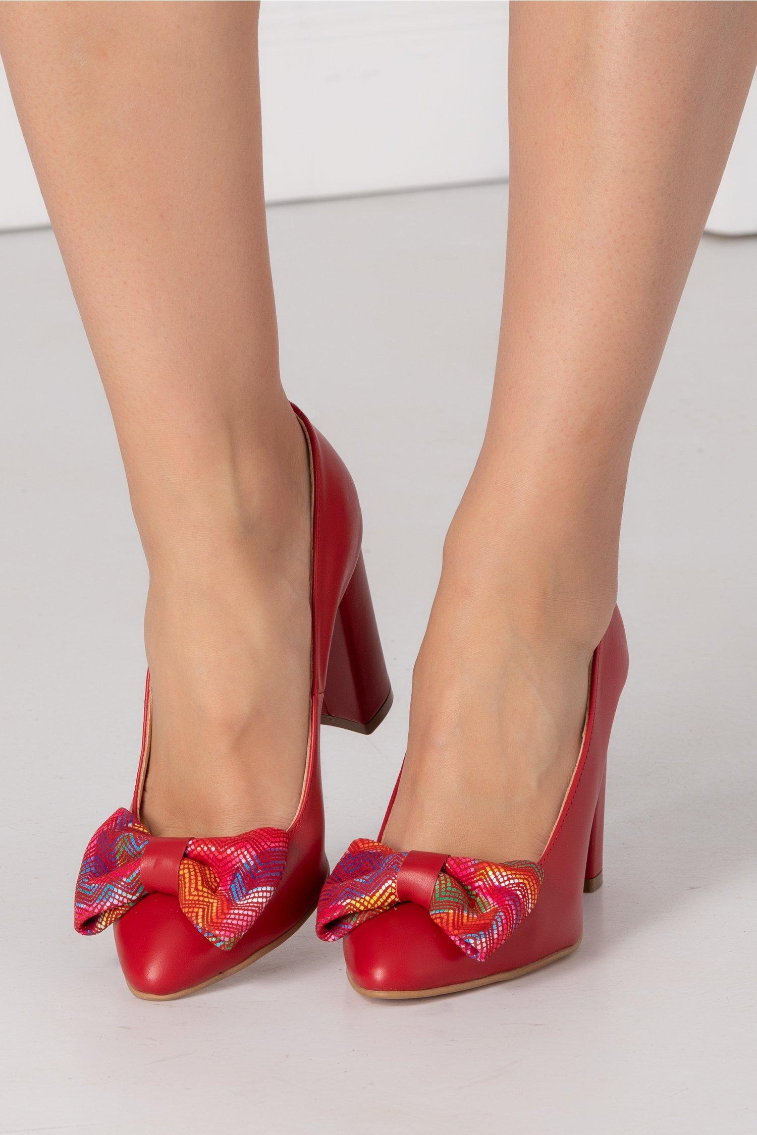 Pantofi Nelly rosu cu funda in fata