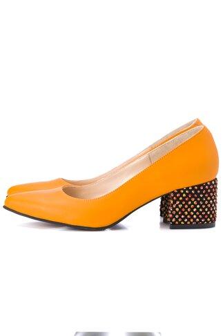 Pantofi orange cu toc gros accesorizat cu aplicatii 3D