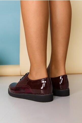 Pantofi Oxford bordo cu strasuri pe talpa si inchidere cu sireturi