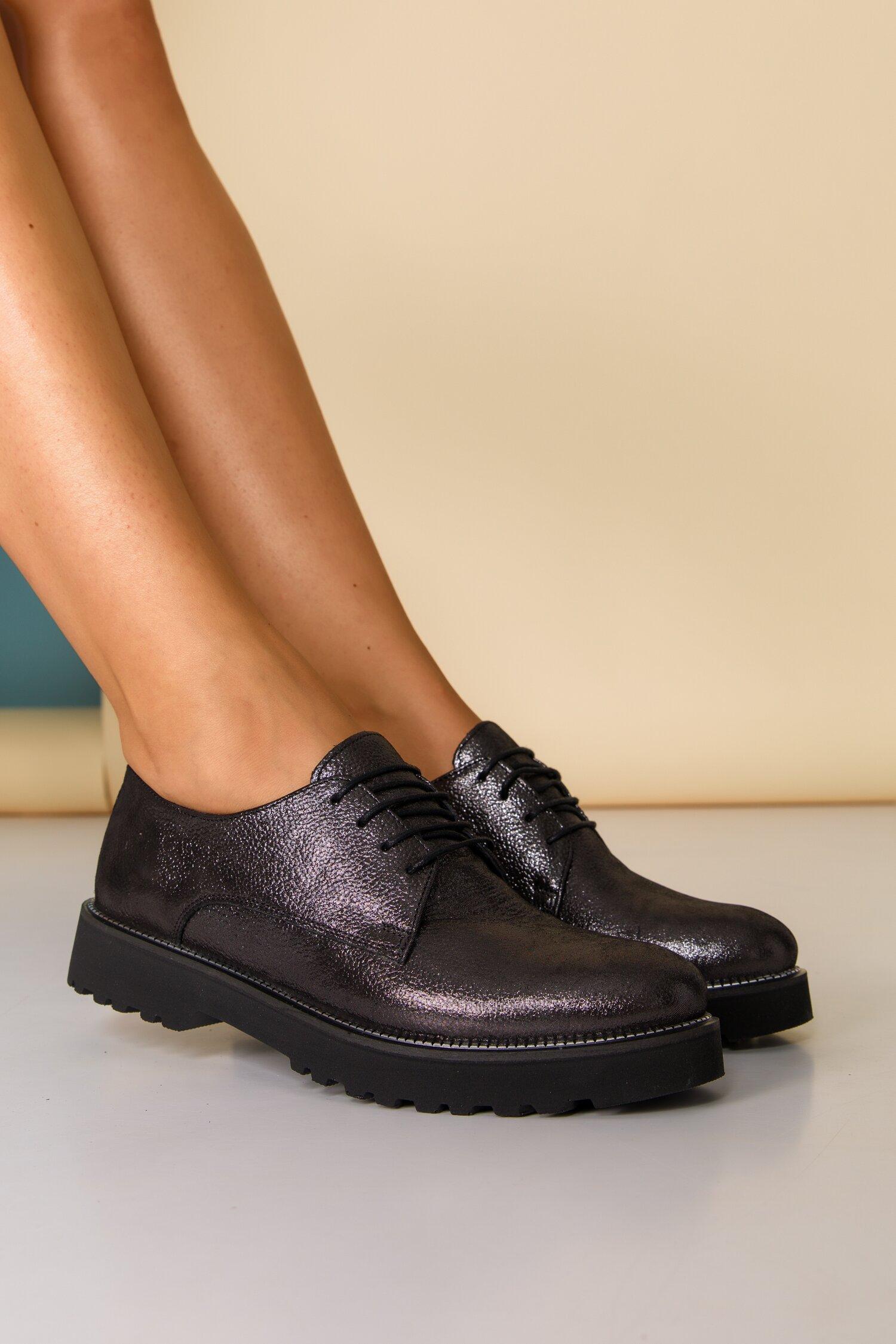 Pantofi Oxford negri sidefat cu sireturi imagine
