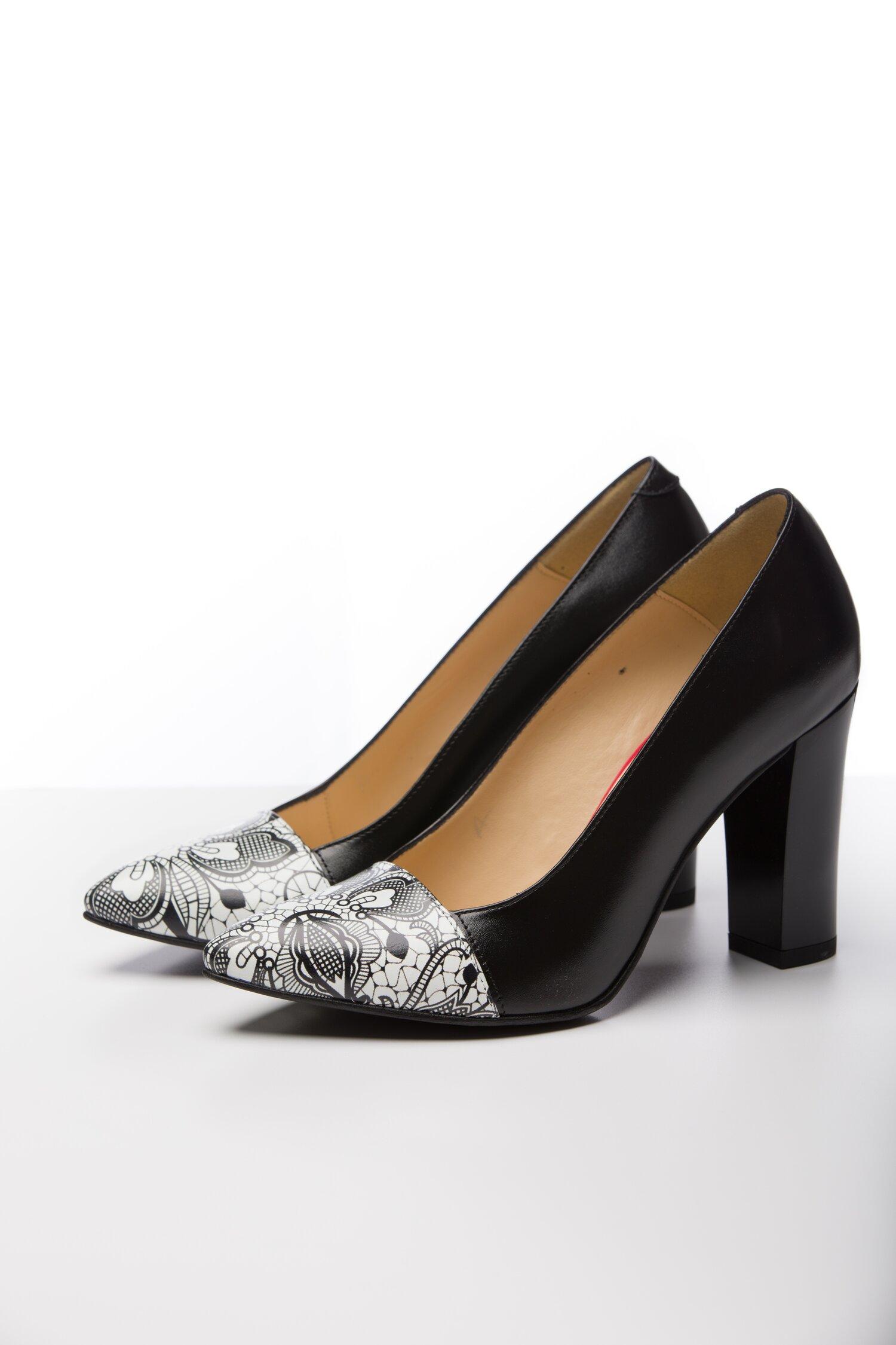 Pantofi Roda negru cu varful alb