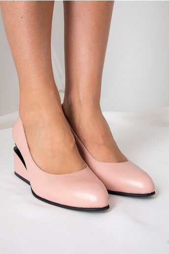 Pantofi roz deschis cu toc futurist din piele naturala