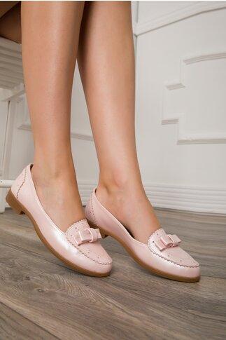 Pantofi roz sidefat cu design tip perforatii si fundita in fata