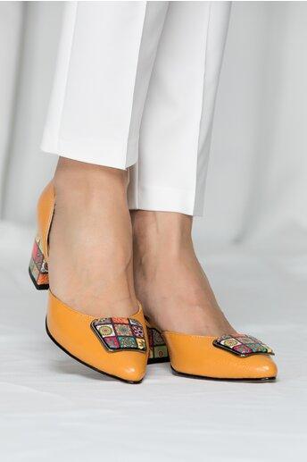 Pantofi Sheila galben mustar cu imprimeu colorat pe toc si varf
