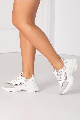 Pantofi sport albi cu detalii reflectorizante si imprimeu tip piele de sarpe