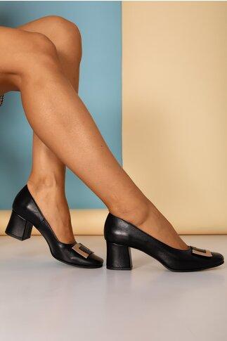 Pantofi Tanya negri cu aplicatie bej pe varf si toc gros