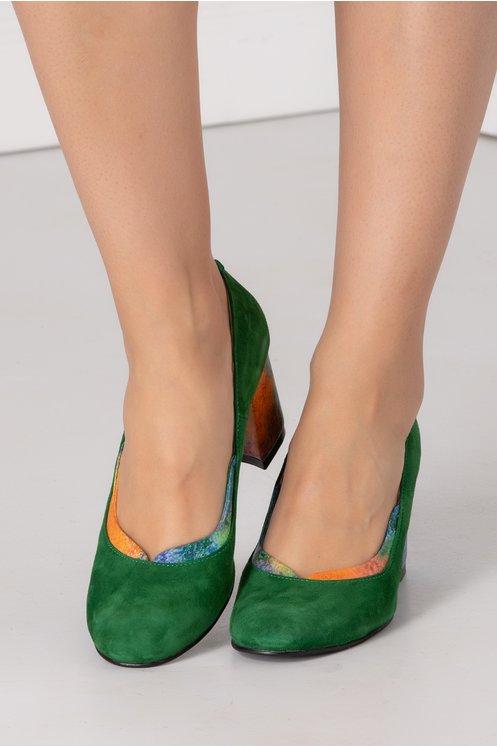 Pantofi verzi cu tocul colorat