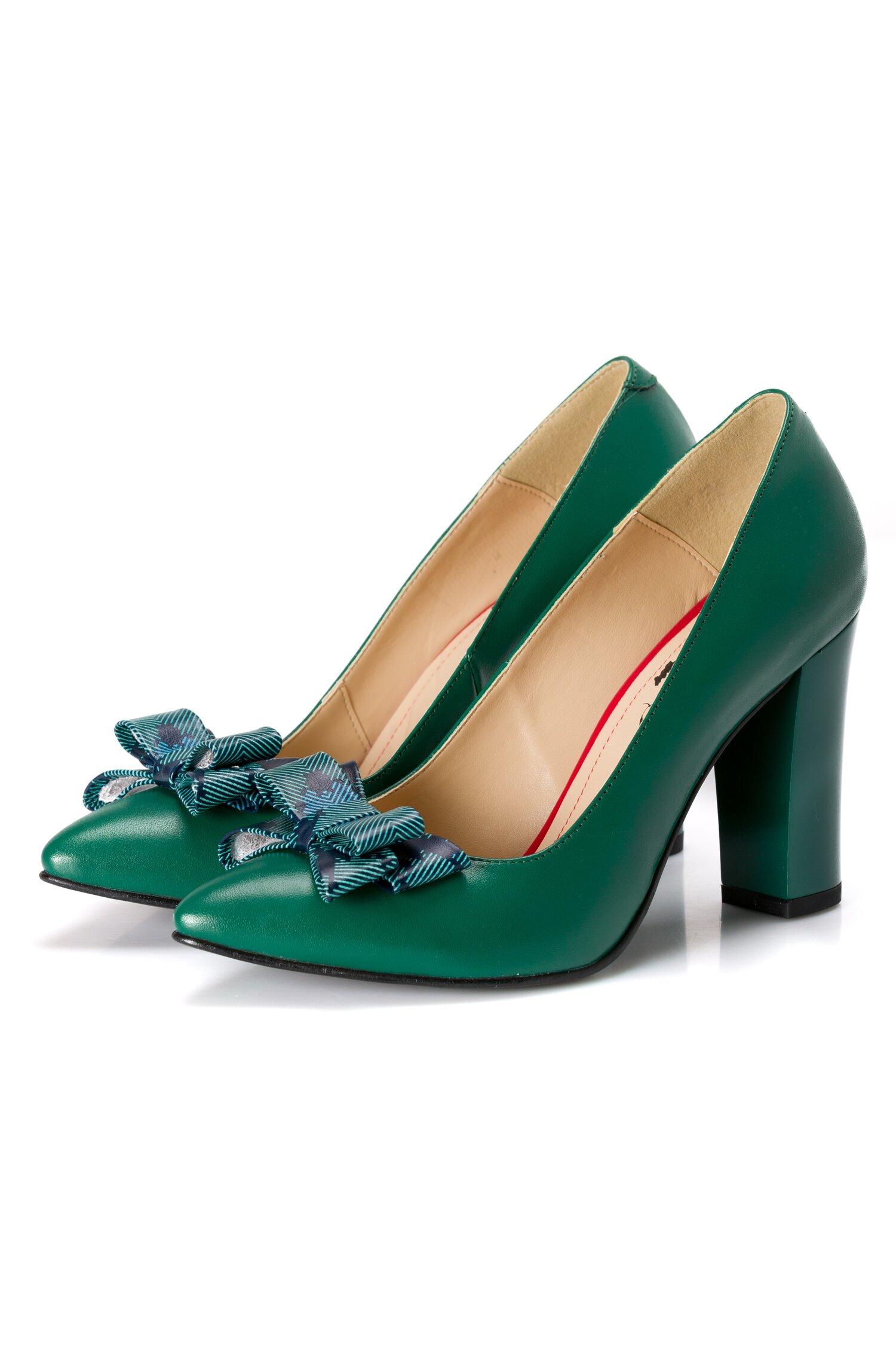 Pantofi verzi din piele cu fundita pe varf cu frunze imprimate imagine