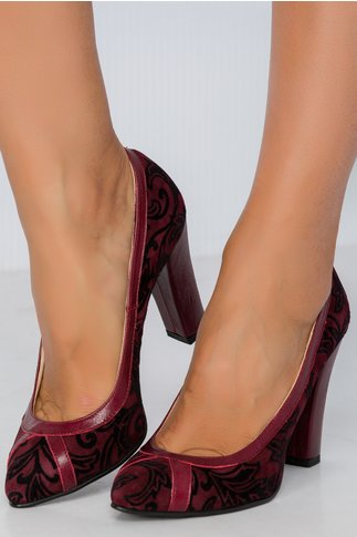 Pantofi visinii cu imprimeuri florare catifelate pe toata suprafata
