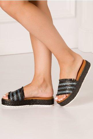 Papuci negri cu gri