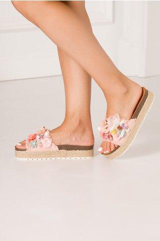 Papuci roz cu flori 3D in culori pastelate