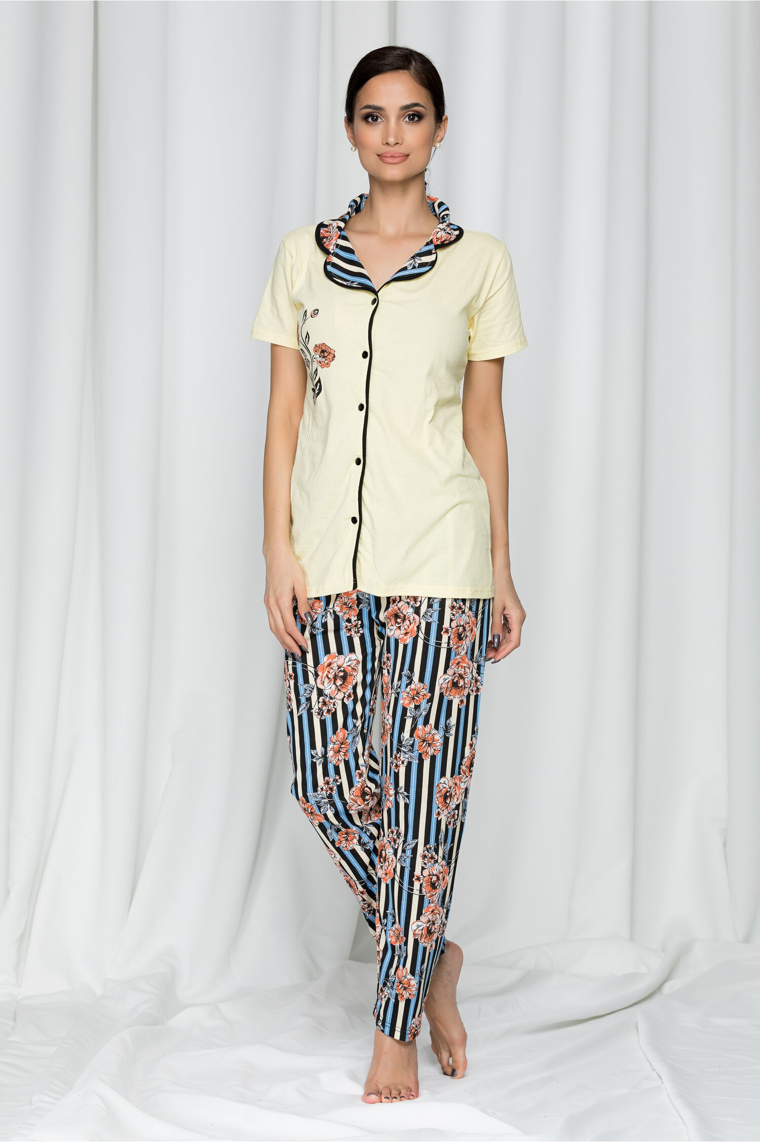 Pijama Adina galbena cu dungi si imprimeu floral