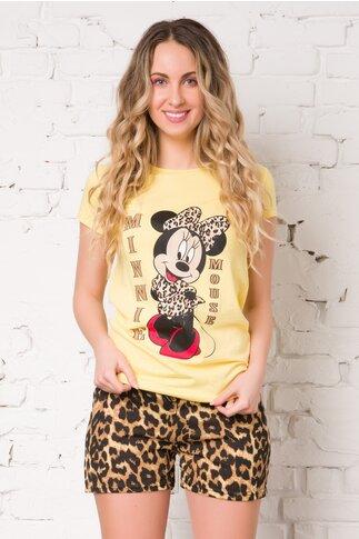 Pijama cu tricou galben si pantaloni scurti cu animal print