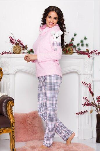 Pijama Fluffy roz cu imprimeu in carouri pe pantaloni