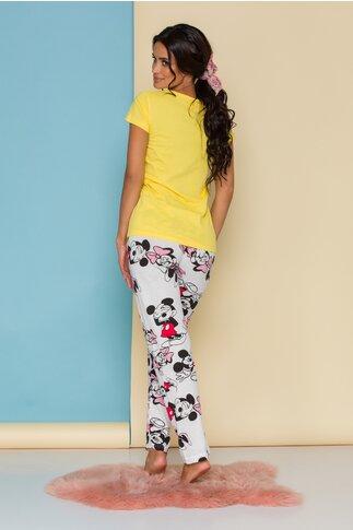 Pijama Happy Disney Friends cu tricou galben si pantaloni albi cu imprimeu