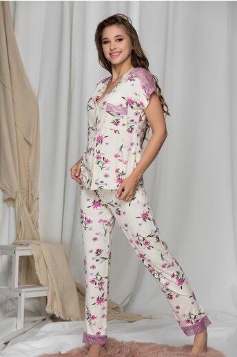 Pijama ivory cu flori roz  si insertii din dantela pe bluza