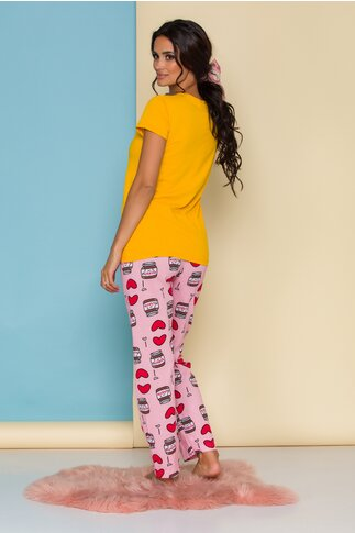 Pijama Love Nutella cu tricou galben si pantaloni roz