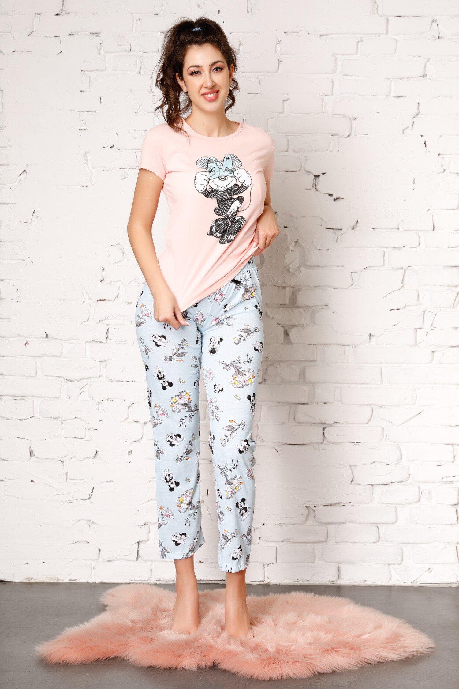 Pijama Minnie cu tricou somon si pantaloni bleu cu flori