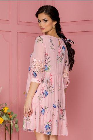Rochia Ilina roz vaporoasa cu imprimeu floral si insertii brodate