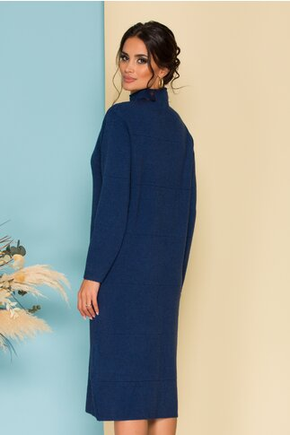 Rochie albastra din tricot cu guler pe gat