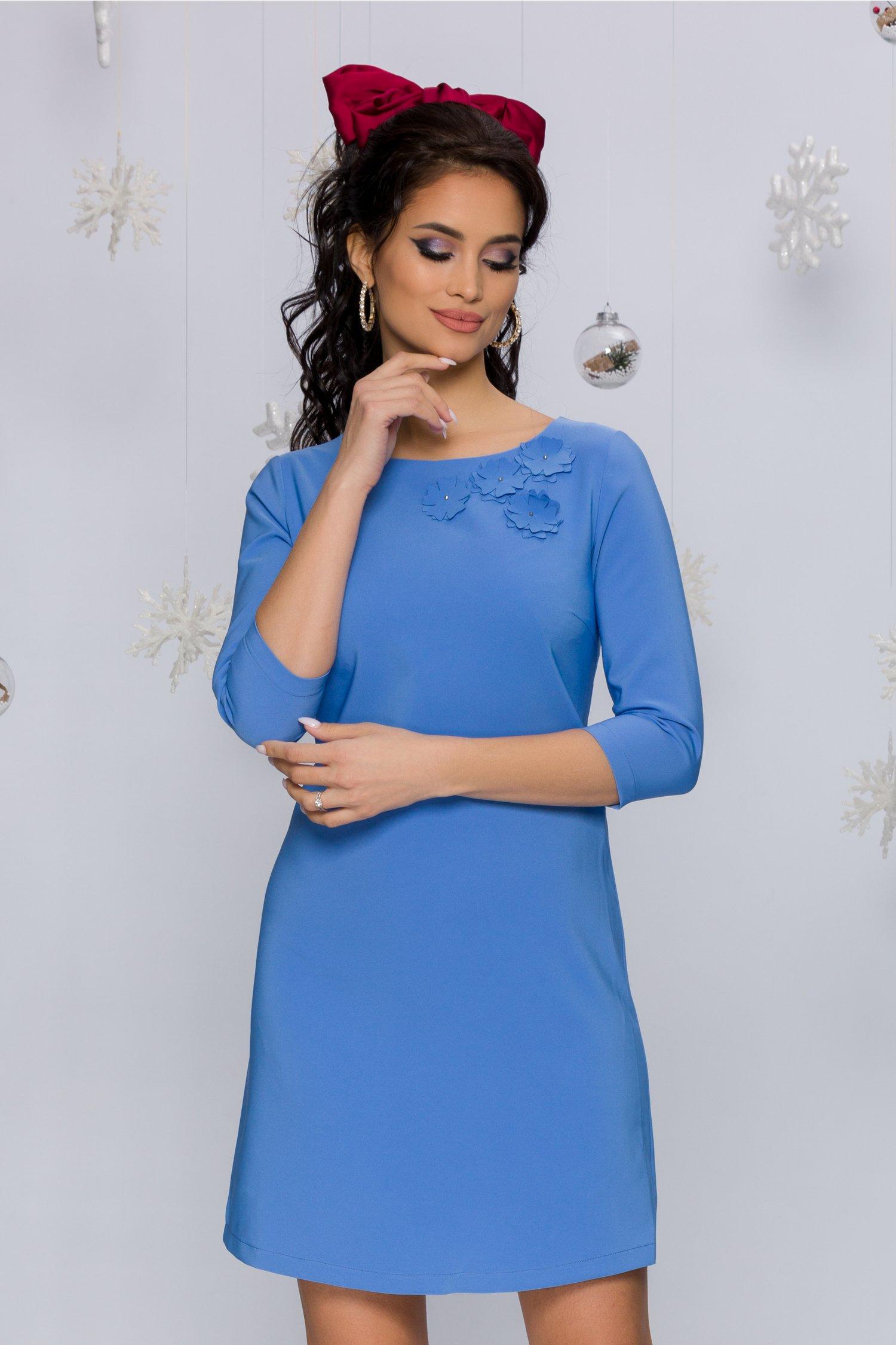 rochie alexa bleu evazata cu flori 3d la decolteu 474468 4