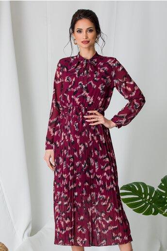 Rochie Alina bordo cu imprimeu divers si fusta plisata